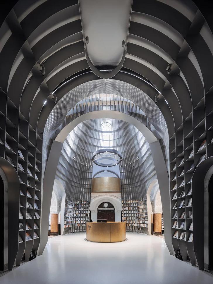 Книжный магазин в Шанхае (фото 2)