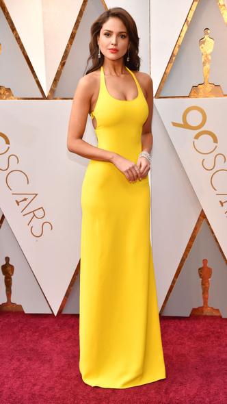 Самые яркие платья церемонии «Оскар — 2018» (фото 3.2)