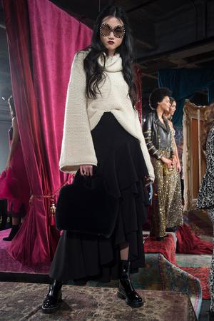 Показ Alice Olivia by Stacey Bendet коллекции сезона Осень-зима 2017-2018 года prêt-à-porter - www.elle.ru - Подиум - фото 617653