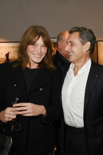 Редкий выход Карлы Бруни и Николя Саркози фото [4]
