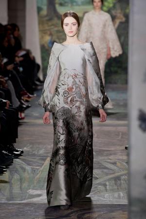 Показ Valentino коллекции сезона Весна-лето 2014 года haute couture - www.elle.ru - Подиум - фото 575252