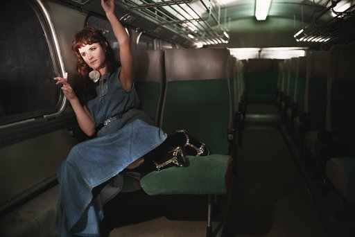 Маршрут построен: обворожительные дочери Мадонны и Умы Турман в рекламе Miu Miu (фото 4)