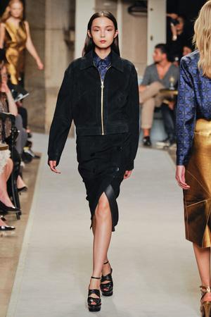Показы мод Loewe Весна-лето 2012 | Подиум на ELLE - Подиум - фото 1803