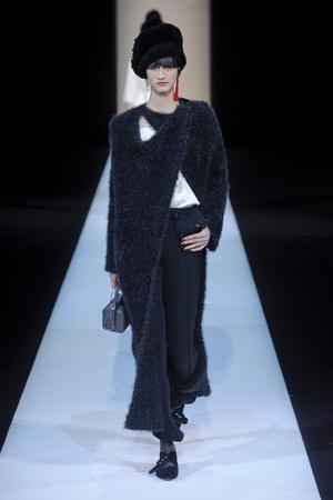 Показы мод Giorgio Armani Осень-зима 2013-2014 | Подиум на ELLE - Подиум - фото 675