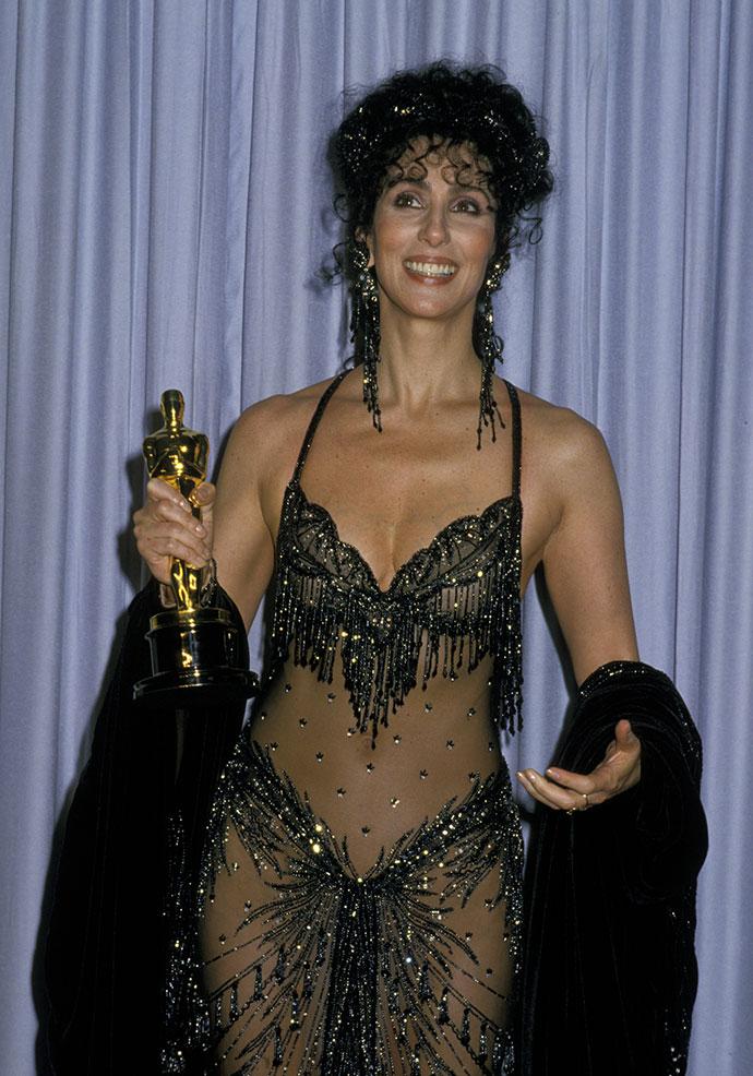 Голые без трусов в прозрачных платьях на сцене онлайн видео фото 413-81