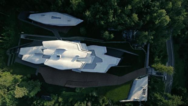 Космический корабль по проекту Захи Хадид наконец-то «приземлился» в Барвихе (фото 1)