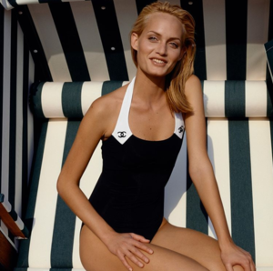 6 рекламных кампаний Chanel, заставляющих скучать по лету уже сейчас (фото 7.1)