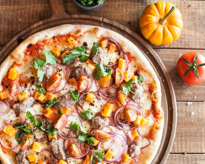 Пицца с тыквой и бараниной