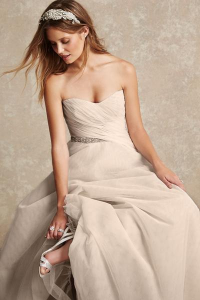 Monique Lhuillier представила новую свадебную коллекцию