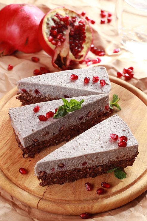 Имбирный брауни, гранатовый чизкейк и другие десерты без сахара (фото 7)