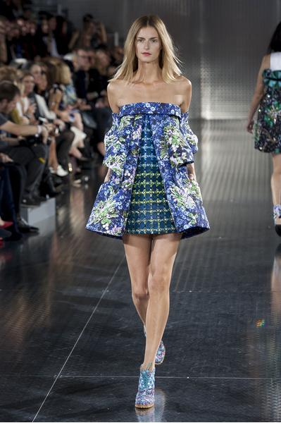 Mary Katrantzou на Неделе моды в Лондоне: яркие принты