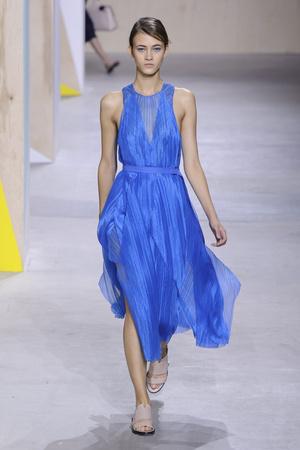 Показы мод BOSS Весна-лето  2016 | Подиум на ELLE - Подиум - фото 4365