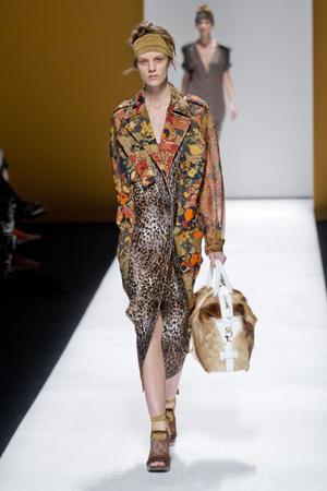Показы мод Max Mara Весна-лето 2013 | Подиум на ELLE - Подиум - фото 1128
