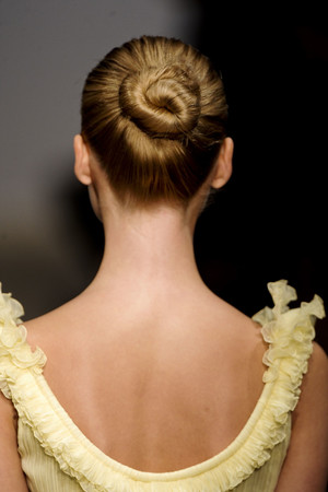 Показ Christophe Josse коллекции сезона Весна-лето 2011 года haute couture - www.elle.ru - Подиум - фото 215156