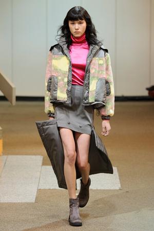 Показы мод Eckhaus Latta Осень-зима 2017-2018 | Подиум на ELLE - Подиум - фото 4850