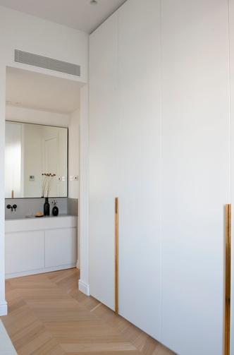 Квартира в стиле мидсенчури в Барселоне (фото 20.1)