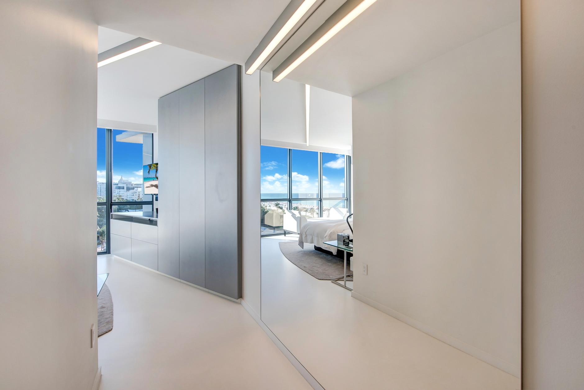 Квартира Захи Хадид в Майами продана за 5,75 млн долларов (галерея 6, фото 1)