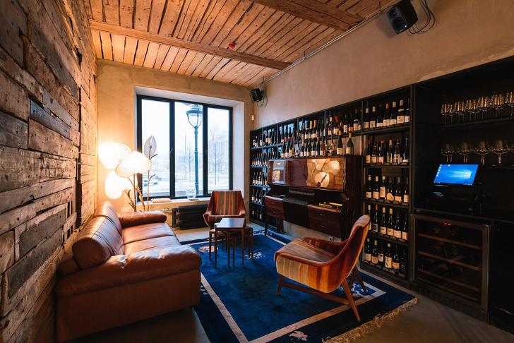 Богемная эстетика 90-х годов: винный бар в Москве (фото 18)