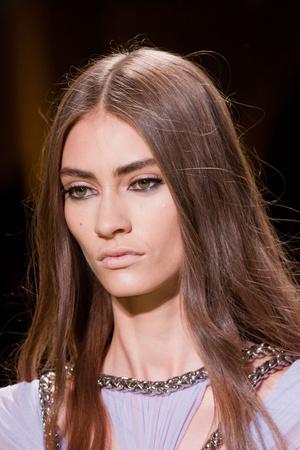 Показ Versace коллекции сезона Весна-лето 2014 года Prêt-à-porter - www.elle.ru - Подиум - фото 564926