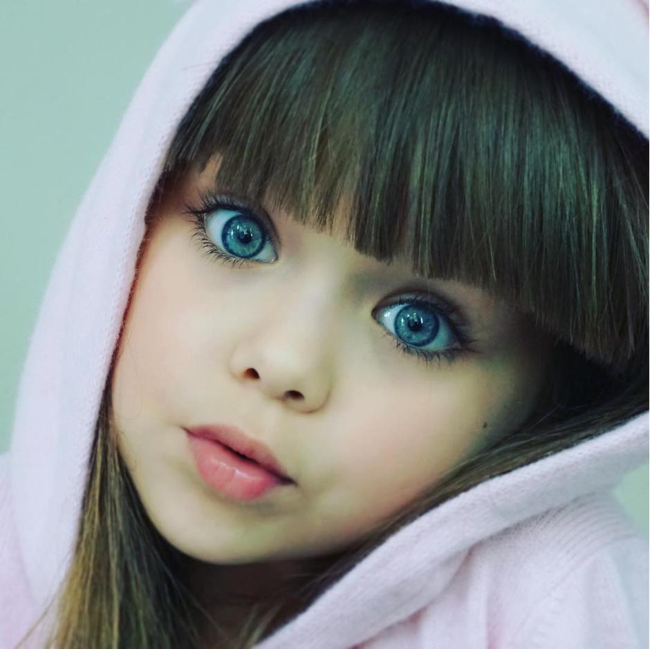 Названо имя самой красивой девочки в мире (фото 8)