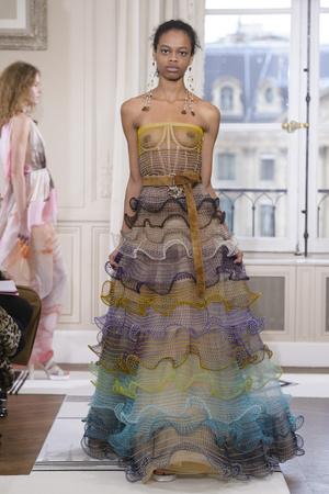 Показ Schiaparelli коллекции сезона Весна-лето 2018 года Haute couture - www.elle.ru - Подиум - фото 671331