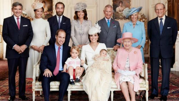 Королева Англии Елизавета 2: биография, личная жизнь семьи, дети и ближайшие родственники, фото