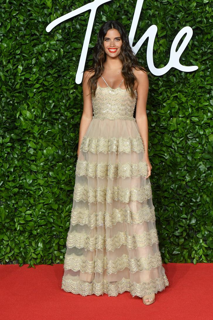 Сад цветов: все модели на премии British Fashion Awards (фото 7)