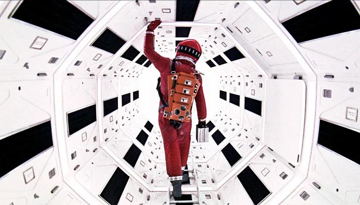 Спа-центр в духе «Космической одиссеи» Кубрика (фото 2)
