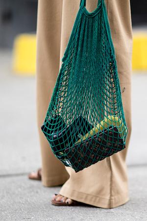 Все мое ношу с собой: 10 сумок нового сезона (фото 2)