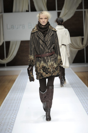 Показ Laura Biagiotti коллекции сезона Осень-зима 2010-2011 года Prêt-à-porter - www.elle.ru - Подиум - фото 153280
