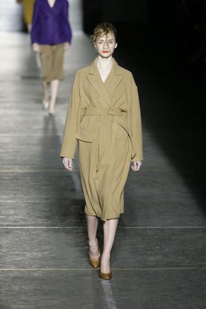 Показы мод Dries Van Noten Осень-зима 2009-2010 | Подиум на ELLE - Подиум - фото 3135