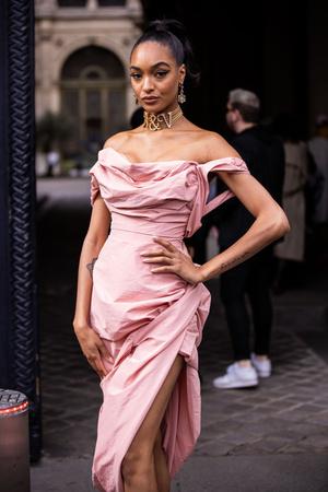 Джордан Данн и Жанель Монэ выбрали одинаковые платья для шоу Vivienne Westwood (фото 0.1)