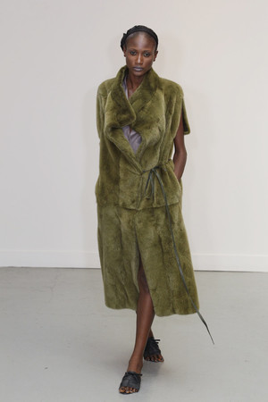 Показ Atelier Gustavo Lins коллекции сезона Осень-зима 2010-2011 года Haute couture - www.elle.ru - Подиум - фото 167267