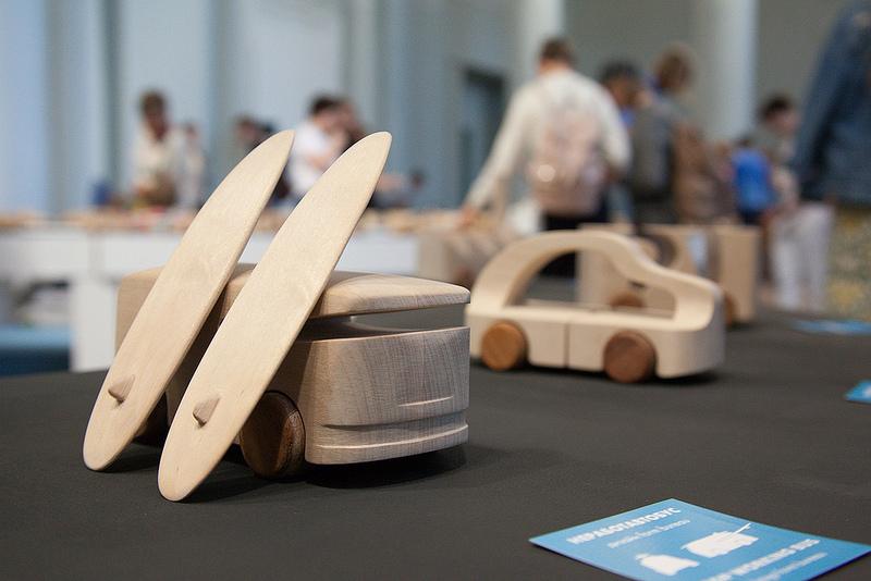 Знаменитые деревянные машинки TobeUs в Москве   галерея [1] фото [5]