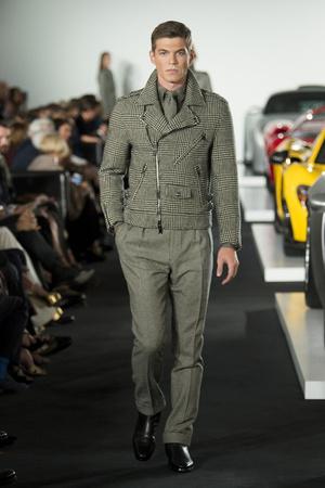Показ Ralph Lauren коллекции сезона Весна-лето 2018 года prêt-à-porter - www.elle.ru - Подиум - фото 628121