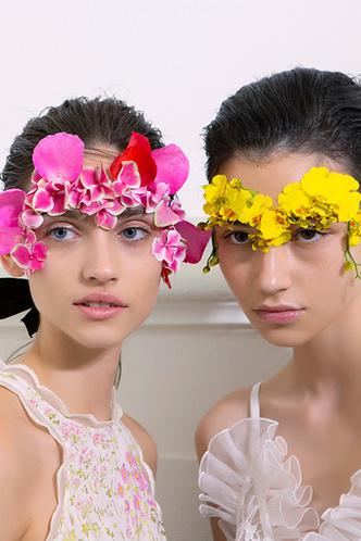Beauty-тренд сезона: вальс цветов (фото 5.1)