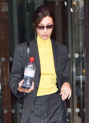 Добавить цвета: носите деловой костюм, как Белла Хадид (фото 1.1)