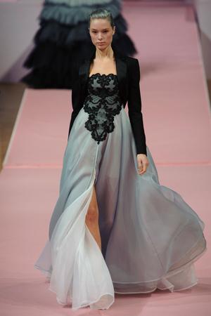 Показ Alexis Mabille коллекции сезона Весна-лето 2013 года Haute couture - www.elle.ru - Подиум - фото 477543