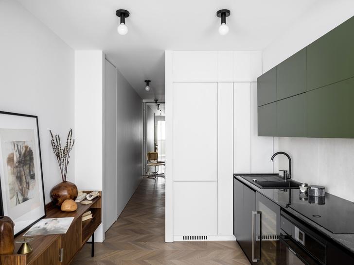 Маленькая квартира 45 м² со спальней за занавеской в Москве (фото 5)