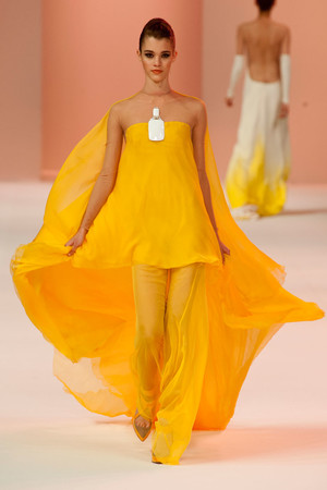 Показ Stephane Rolland коллекции сезона Весна-лето 2014 года Haute couture - www.elle.ru - Подиум - фото 575028