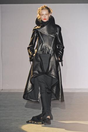 Показы мод Hakaan Осень-зима 2011-2012 | Подиум на ELLE - Подиум - фото 2191