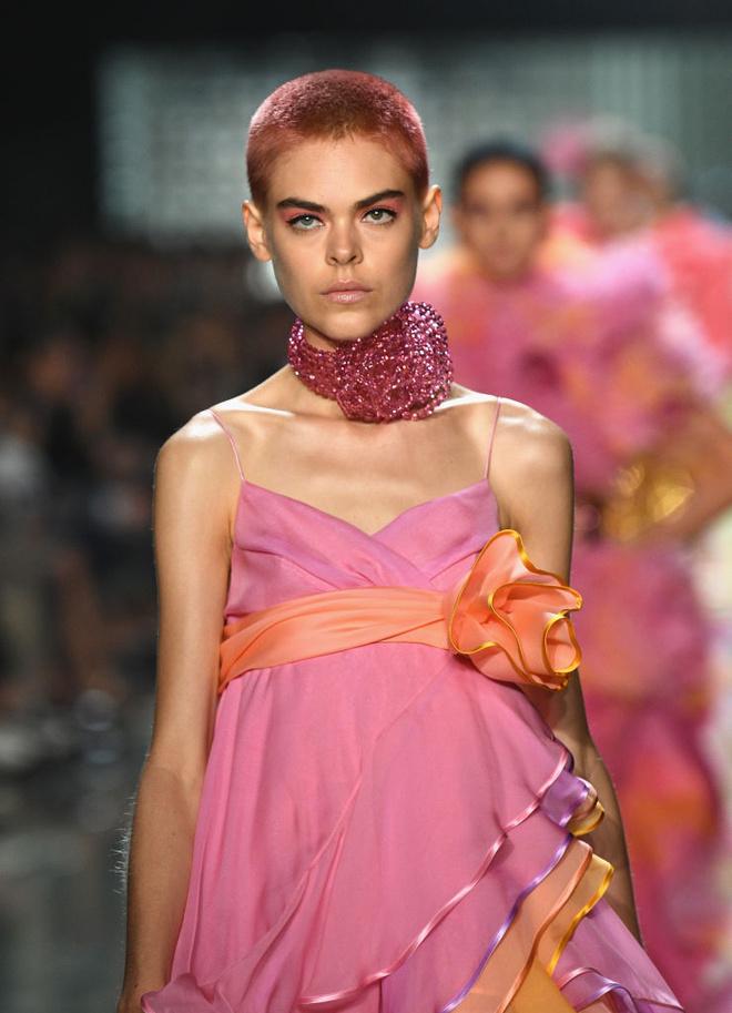 Новый тренд: цвет волос под цвет одежды (фото 4)