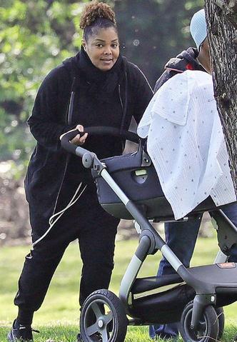 Фото дня: феноменально похудевшая Джанет Джексон на церемонии в Нью-Йорке фото [7]