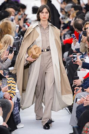 Тренд сезона: модные версии классического тренча (фото 4)