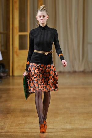 Показы мод Alexis Mabille Осень-зима 2012-2013 | Подиум на ELLE - Подиум - фото 1419