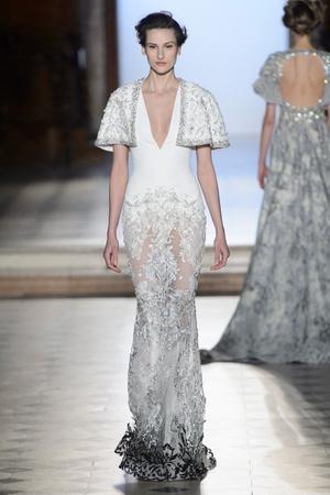 Показ Tony Ward коллекции сезона Весна-лето  2017 года Haute couture - www.elle.ru - Подиум - фото 616388