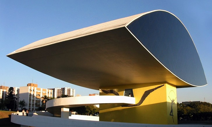 """""""Гни свою линию"""". 110 лет мэтру бразильской архитектуры Оскару Нимейеру (фото 3)"""