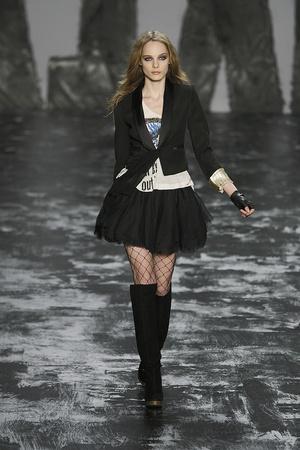 Показ Miss Sixty коллекции сезона Осень-зима 2009-2010 года prêt-à-porter - www.elle.ru - Подиум - фото 91187