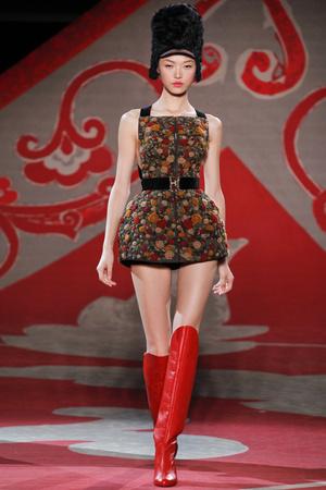 Показ Ulyana Sergeenko коллекции сезона Осень-зима 2012-2013 года haute couture - www.elle.ru - Подиум - фото 404216