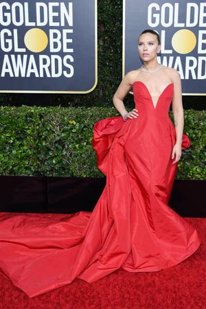 Пять платьев красного цвета на красной дорожке «Золотого глобуса-2020» (фото 2.1)